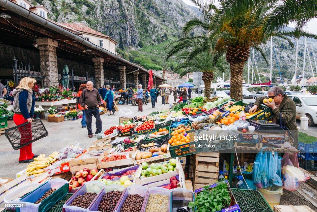 """Résultat de recherche d'images pour """"Kotor market montenegro"""""""