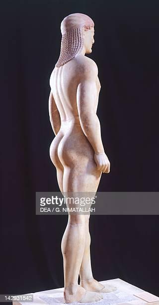 Kouros 525550 BC sculpture of the archaic age from Anavissos Side view Greek Civilization 6th Century BC Athens Ethnikó Arheologikó Moussío