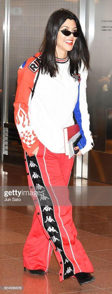 Kim Kardashian, Kourtney Kardashian And Khloe Kardashian Arrive In Tokyo : News Photo