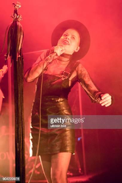 Kovacs Sharon Kovacs die niederlaendische Saengerin und Songwriterin bei einem Konzert im Hamburger Mojo Club Photo by Jazz Archiv Hamburgullstein...