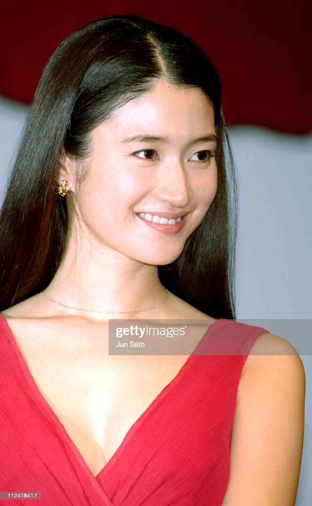 Max Factor SK- U Air Touch Foundation TV Commercial - Press Preview with Koyuki : News Photo