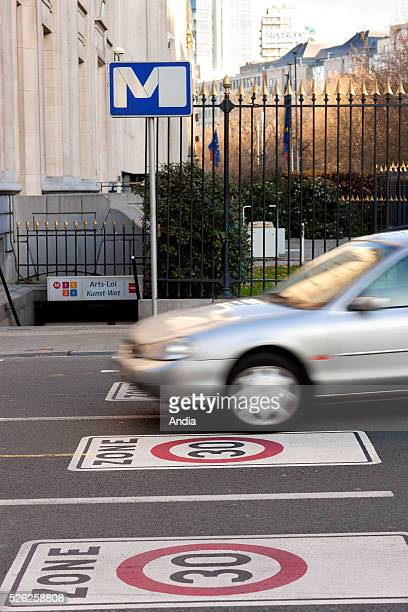 30 kph zone within the Brussels ring road with 30 kph roadmarking in the Pentagon district