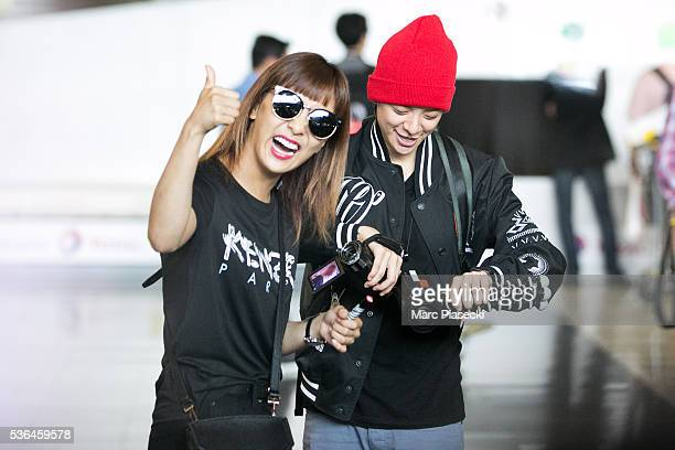 Kpop singers Amber Josephine Liu a.k.a. Amber and Park Seon Yeong a.k.a. Luna of 'f' arrive at Charles-de-Gaulle airport on June 1, 2016 in Paris,...