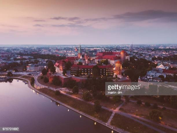krakow cityscape from drone - wawel cathedral stock pictures, royalty-free photos & images