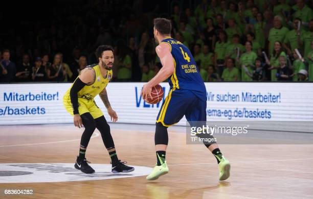 Kramer Chris of Oldenburg and Doreth Bastian of medi bayreuth battle for the ball during the easyCredit BBL match between medi bayreuth and EWE...