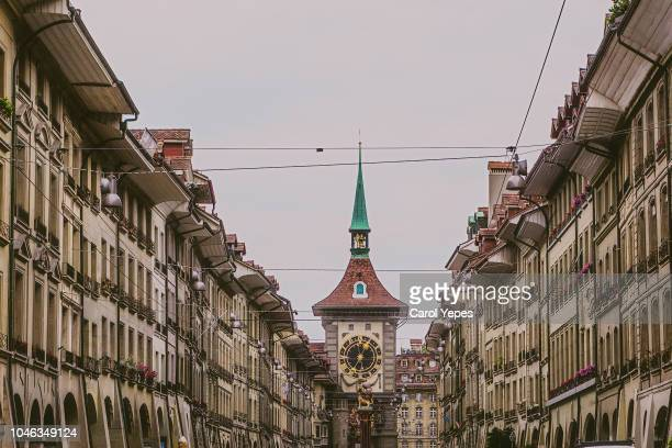 kramgasse street in the old city of bern, unesco site - ベルン ストックフォトと画像