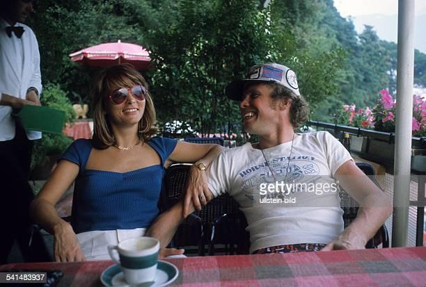 Kraus Peter *Schauspieler Saenger Entertainer Dmit seiner Frau Ingrid 1973