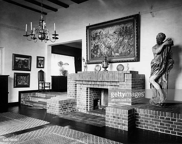Krauskopf Bruno Painter Graphic Artist Germany *09031892 fireplace room of his house in Saarow architect Harry Rosenthal 1926 Photographer Lili...