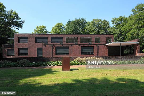 art museum Haus Lange and Haus Esters Bauhaus style