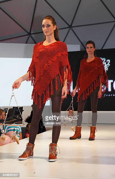 Krefeld, Fashionworld 2012, street fashionshow, catwalk, showing of the autumn and winter collection 2012/2013