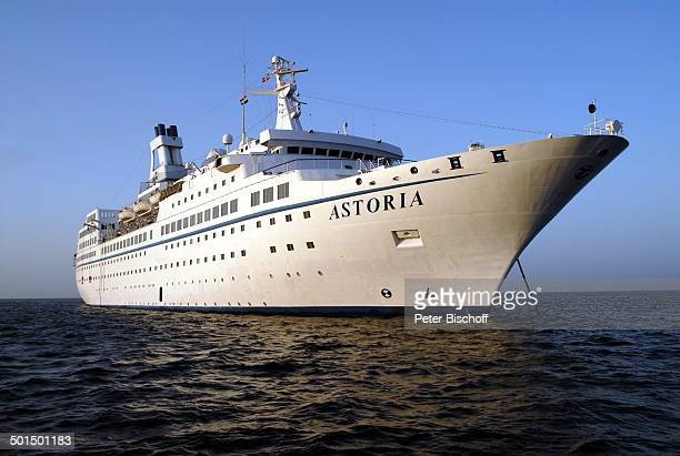 Kreuzfahrtschiff MS Astoria auf Reede Asien Schiff Wasser Meer Reise BB DIG PNr 603/2008