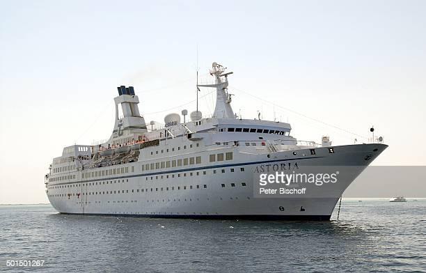"""Kreuzfahrtschiff MS """"Astoria"""" auf Reede, Asien, Schiff, Wasser, Meer, Reise, BB, DIG; P.-Nr.: 603/2008, ;"""