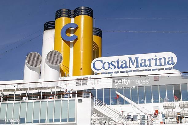Kreuzfahrtschiff Costa Marina Hafen von Korfu Insel Korfu Griechenland Europa Mittelmeer ProdNr 188/2006 Seitenansicht auf Schornsteine und Logo...