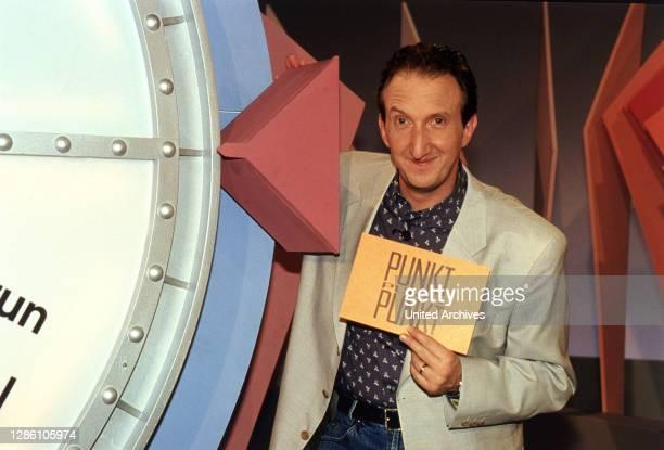 Krüger, Schauspieler, Sänger, Comedian, Aufnahme aus der Spielshow: 'Punkt, Punkt, Punkt', 1992. / Porträt, 90er.