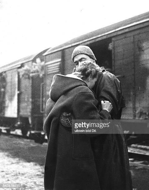 Kriegsheimkehrer im Lager Friedland 1955