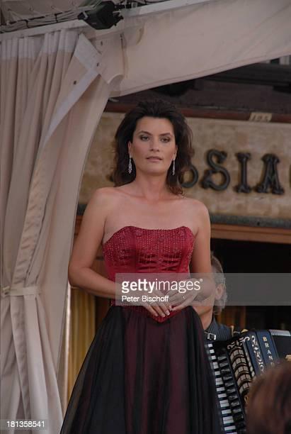 """Kriemhild Jahn, Musikfilm """"Eine Nacht in Venedig"""" mit K R I E M H I L D J A H N, Venedig, Italien, Europa, Cafe """"Floriani"""" am Markusplatz, Dreh,..."""