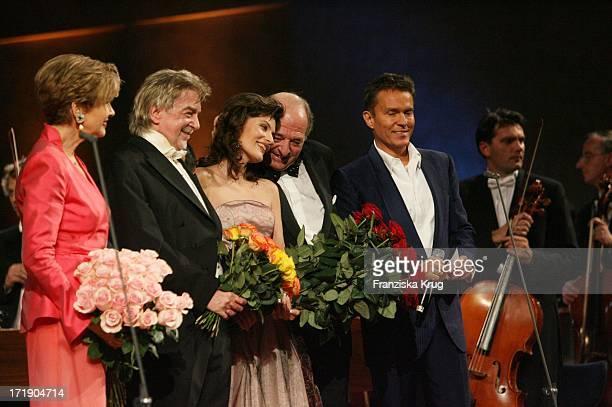 Kriemhild Jahn Und Ehemann Ralph Siegel Bei Der Präsentation Ihres Albums MozartPremiere Im Herkulessaal In Der Residenz In München