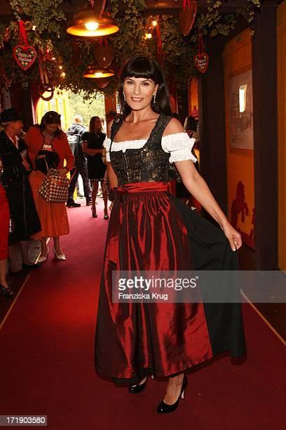 Kriemhild Siegel Bei Der Damenwiesn Von R Sixt Im Hippodrom Beim Oktoberfest In München