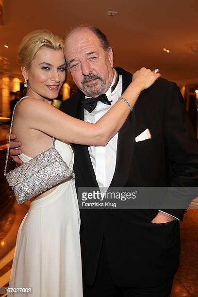 Kriemhild Und Ehemann Ralph Siegel Bei Der 20 Verleihung Diva Deutscher Entertainment Preis Im Hotel Bayerischer Hof In München