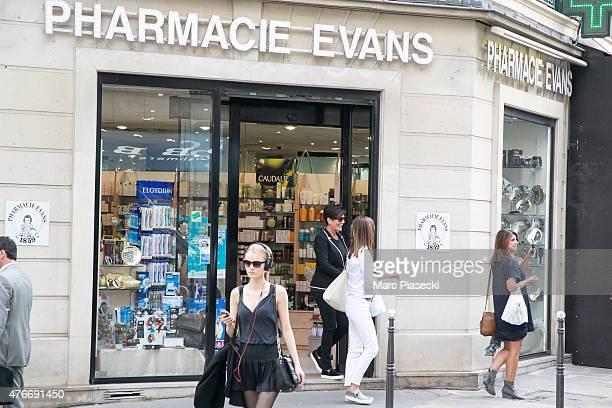 Kris Jenner leaves the 'Pharmacie Evans' on June 11 2015 in Paris France