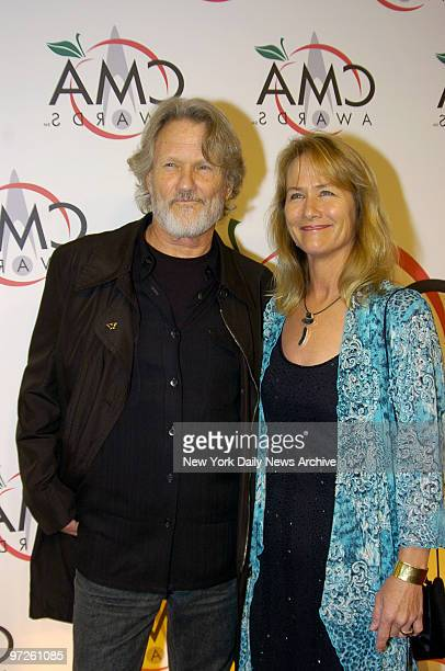 Kris Kristofferson and his wife Lisa Meyers arrive for the the 39th Annual Country Music Association Awards at Madison Square Garden