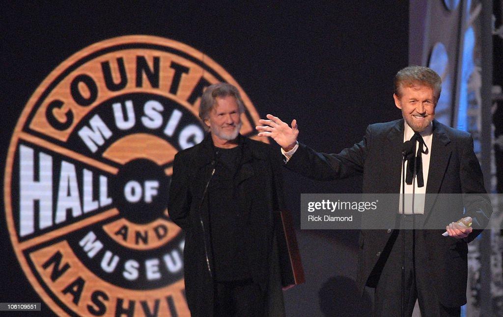 The 40th Annual CMA Awards - Show