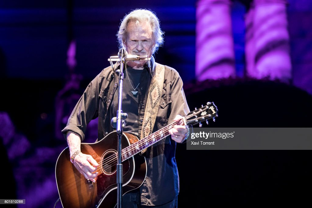 Kris Kristofferson performs in concert during Festival Jardins de Pedralbes on June 26, 2017 in Barcelona, Spain.