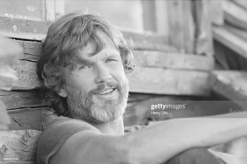 Kris Kristofferson rests against a house at Caribou Ranch, a farm near Boulder, Colorado. The country musician is at the ranch as part of a photo shoot for his upcoming album, To the Bone. | Location: near Boulder, Colorado, USA.