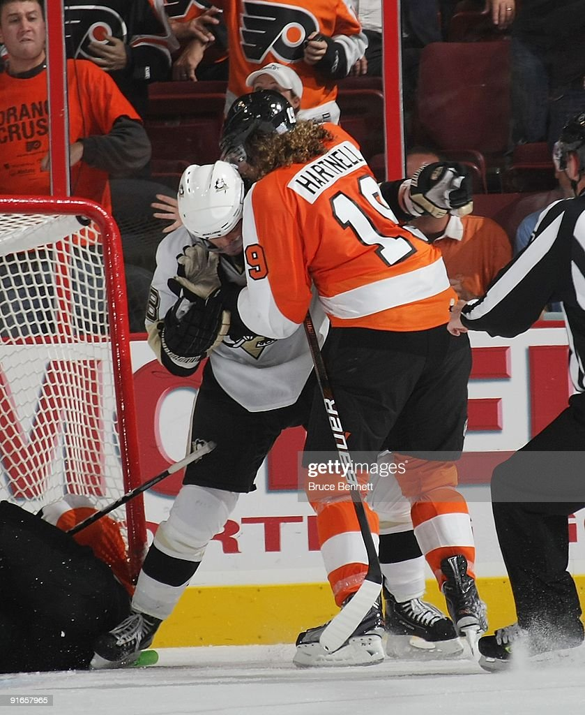 Pittsburgh Penguins v Philadelphia Flyers