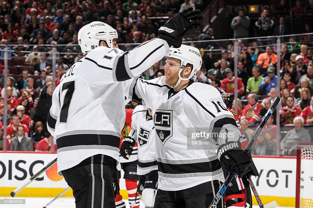 Kris Versteeg #10 of the Los Angeles Kings celebrates after scoring in the first period of the NHL game against the Chicago Blackhawks at the United Center on March 14, 2016 in Chicago, Illinois.