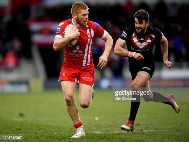 Kris Welham of Salford Red Devils in action during the Betfred Super League match between Salford Red Devils and London Broncos at AJ Bell Stadium on...