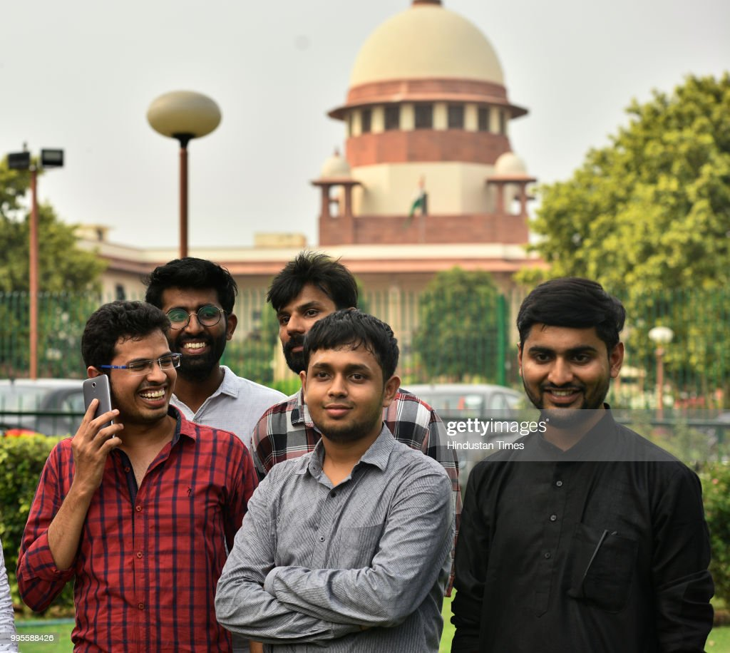 Supreme Court Begins Hearing Challenge To Section 377 : Foto jornalística