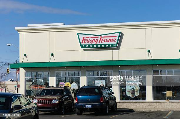 krispy kreme doughnuts - krispy kreme doughnuts stock pictures, royalty-free photos & images