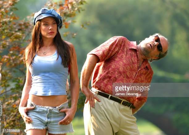 Krista Allen Jack Nicholson during Jack Nicholson Adam Sandler Marisa Tomei Krista Allen On Location for 'Anger Management' at Central Park in New...