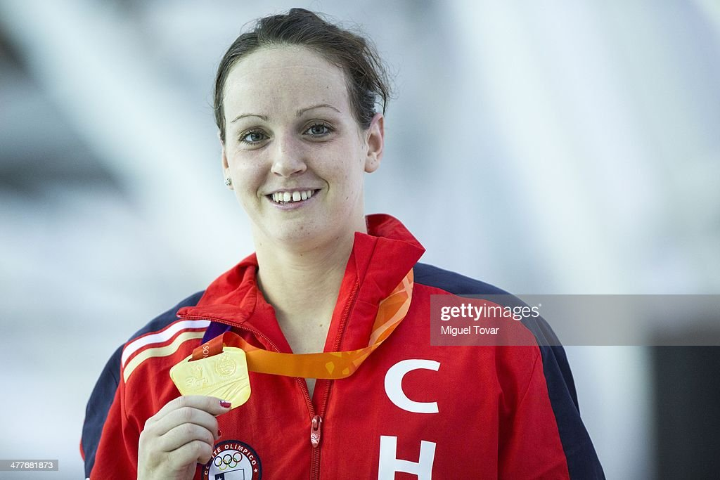 Kristel Kobrich, of Chile shows her gold medal after winning in womens 1500m freestyle final event during day four of the X South American Games Santiago 2014 at Centro Acuatico Estadio Nacional on March 10, 2014 in Santiago, Chile.