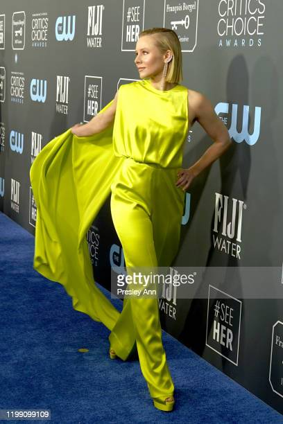 Kristen Bell attends the 25th Annual Critics' Choice Awards at Barker Hangar on January 12, 2020 in Santa Monica, California.
