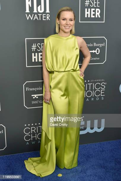 Kristen Bell during the arrivals for the 25th Annual Critics' Choice Awards at Barker Hangar on January 12, 2020 in Santa Monica, CA.