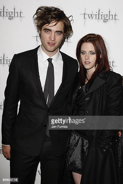 Kristen Stewart and Robert Pattinson attend the UK Premiere of Twilight at Vue West End on December 3, 2008 in London, England.
