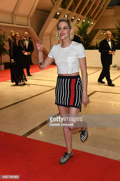 Kristen Stewart arrive at the Opening Gala Dinner during The 69th Annual Cannes Film Festival on May 11 2016 in Cannes