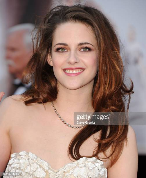 Kristen Stewart arrives at the 85th Annual Academy Awards at Dolby Theatre on February 24 2013 in Hollywood California