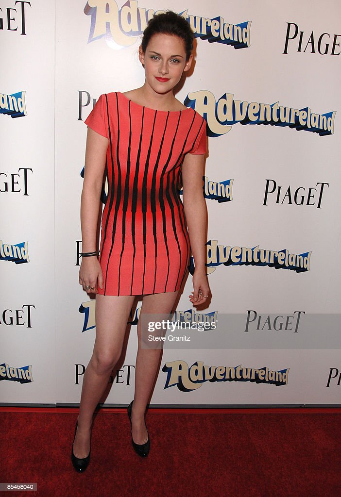 """Adventureland"" Los Angeles Premiere - Arrivals : News Photo"
