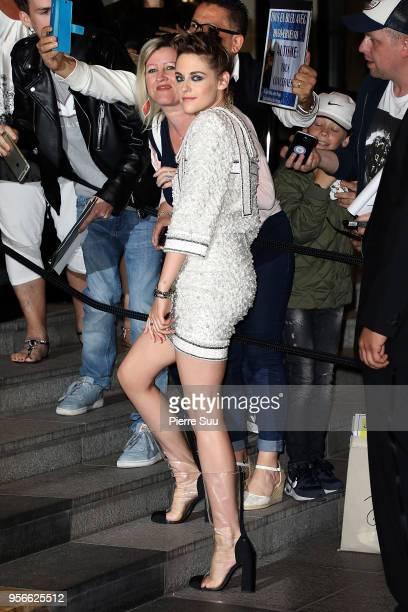 Kristen Stewart arrives at the Vanity Fair diner 2018 during the 71st annual Cannes Film Festival at on May 9 2018 in Cannes France