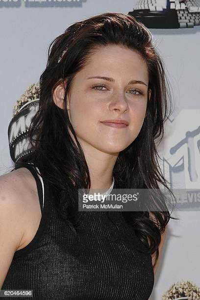 Kristen Stewart attends The 2008 MTV Movie Awards Arrivals at Universal City on June 1 2008 in Los Angeles CA