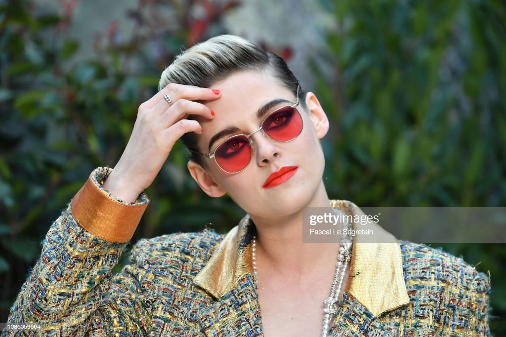 Chanel : Front Row - Paris Fashion Week - Haute Couture Spring Summer 2019 : News Photo