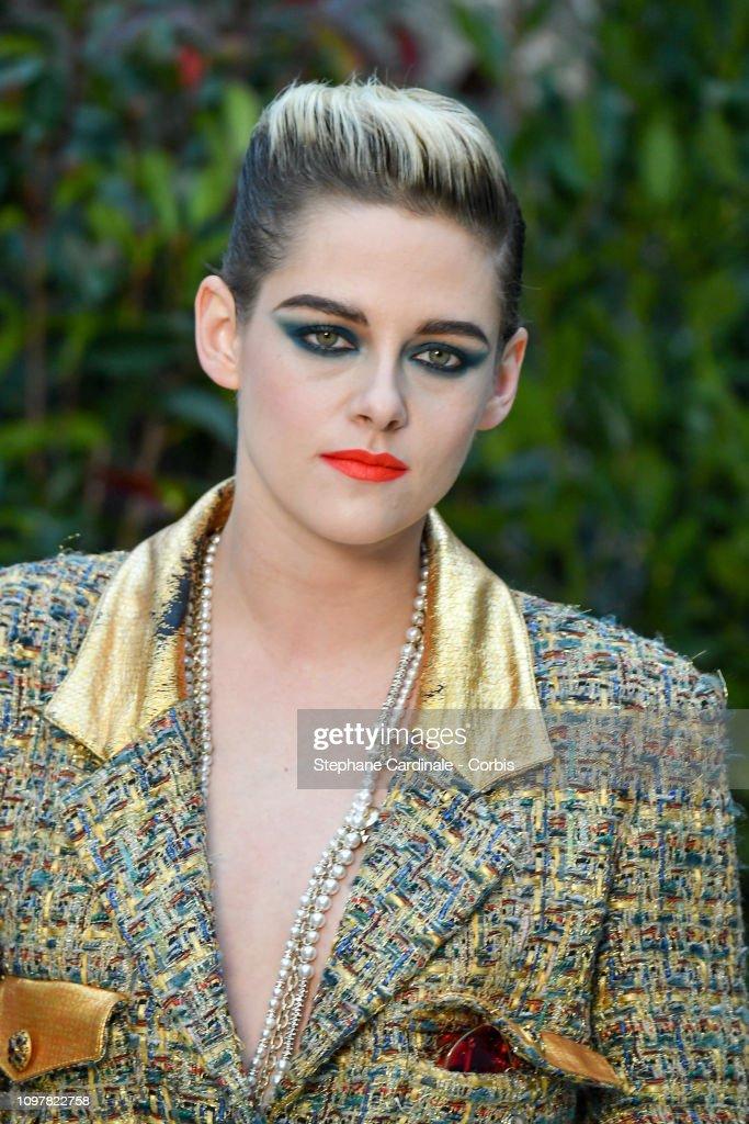 Chanel : Photocall - Paris Fashion Week - Haute Couture Spring Summer 2019 : News Photo