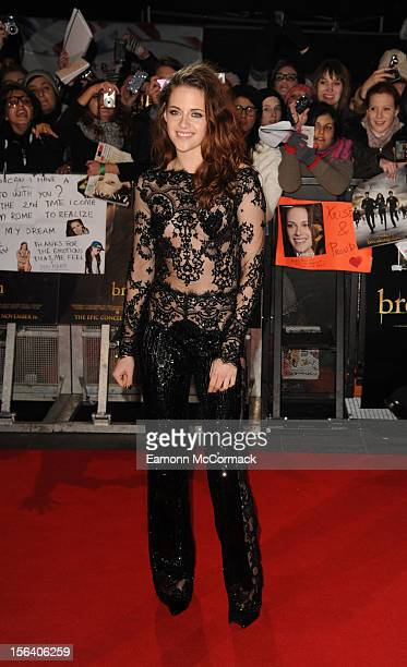 Kristen Stewart attends the UK Premiere of 'The Twilight Saga: Breaking Dawn - Part 2' at Odeon Leicester Square on November 14, 2012 in London,...