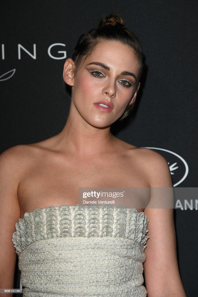 Kering And Cannes Film Festival Official Dinner - Photocall - At The 71st Cannes Film Festival : News Photo