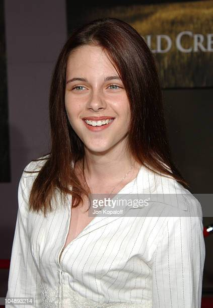 Kristen Stewart during World Premiere of Cold Creek Manor at El Capitan Theatre in Hollywood California United States
