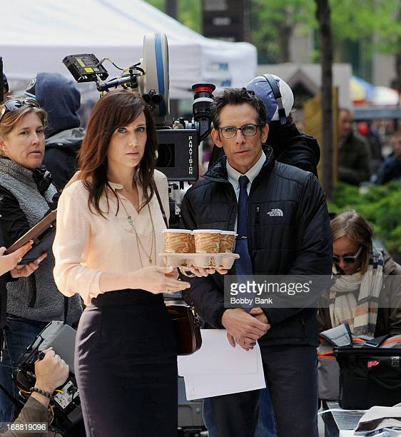 Kristen Wiig and Ben Stiller filming on location for 'The Secret Life of Walter Mitty' on May 15 2013 in New York City