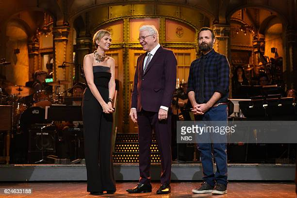 LIVE Kristen Wiig Episode 1711 Pictured Kristen Wiig Steve Martin and Will Forte during Kristen Wiig's Thanksgiving Monologue on November 19 2016